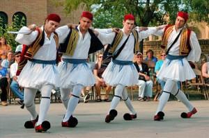 Современные крымские греки как-то не похожи на изображения на античных вазах
