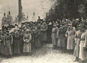 Парад на Софиевской площади во время проведения III Военного съезда, который прошел за неделю до провозглашения ІІІ Универсала (1917)