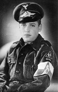 Украинский юноша-член немецкой зенитной части