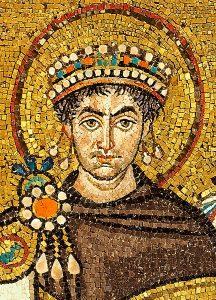 Портрет Юстиниана І на мозаике базилики Сан-Витале в Равенне (Италия)