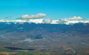 Точных указаний в каких именно горах нет, наиболее вероятно, что речь о хребте Пирин, ограничивающем долину Стримона/Струмы с востока. Современный вид этих гор в южной части долины Срумы у границы современных Болгарии и Греции.