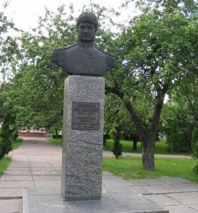 Памятник Юрию Лисянскому в Нежине