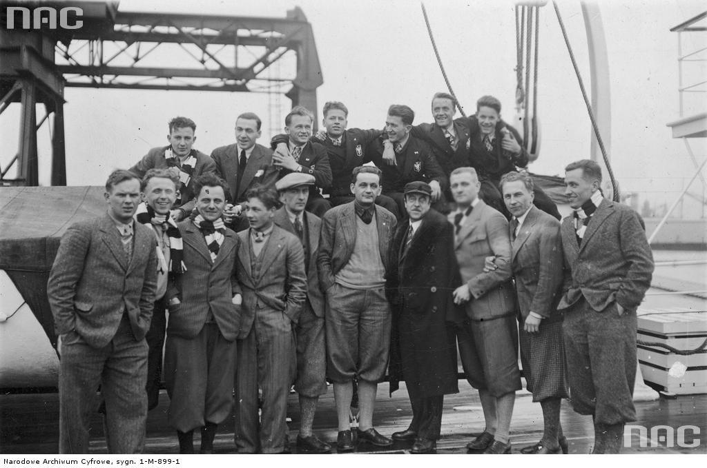 Польська олімпійська збірна у дорозі на Олімпіаду-1932